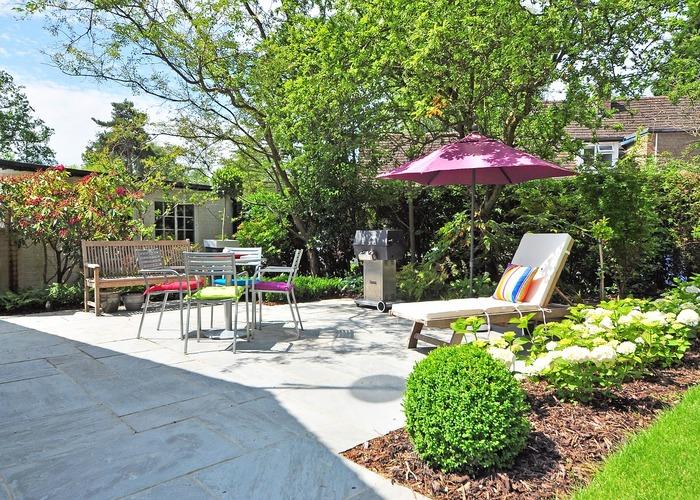 Landscaping gardening service hamilton