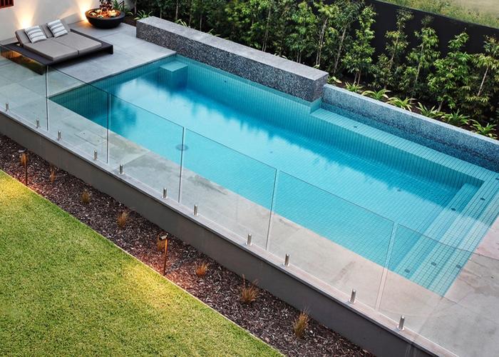 hamilton Glass Pool Fencing
