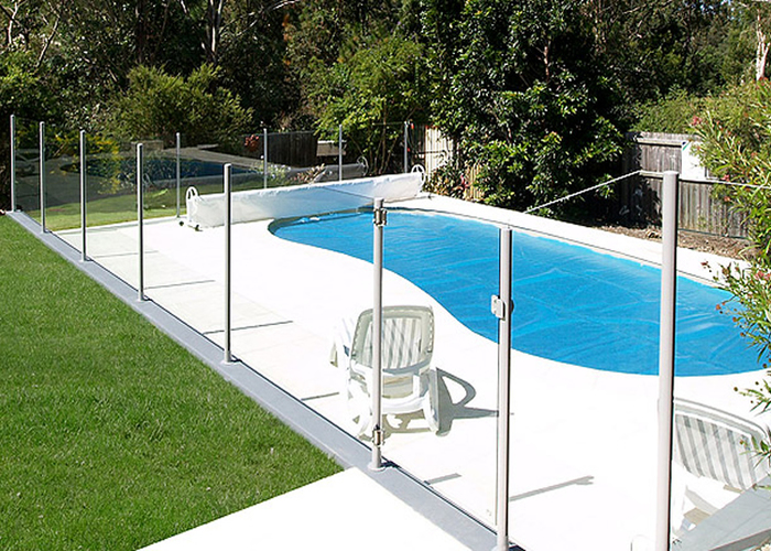 semi frameless glass pool fencing hamilton